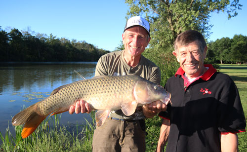 Carp zoom carp fishing tv show on welland river on for Fishing tv shows
