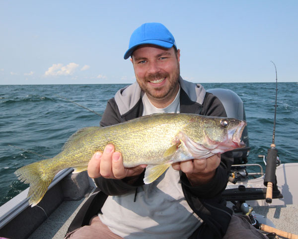 Lake erie crystal beach on walleye bass fishing for Walleye fishing pole
